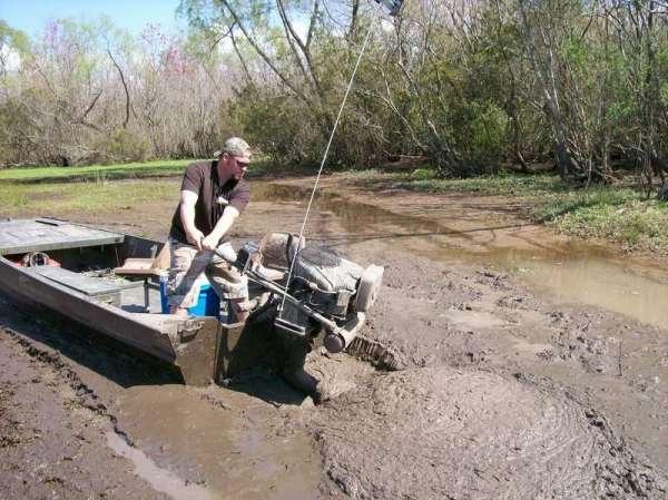 Лодочные болотоходы производства США: