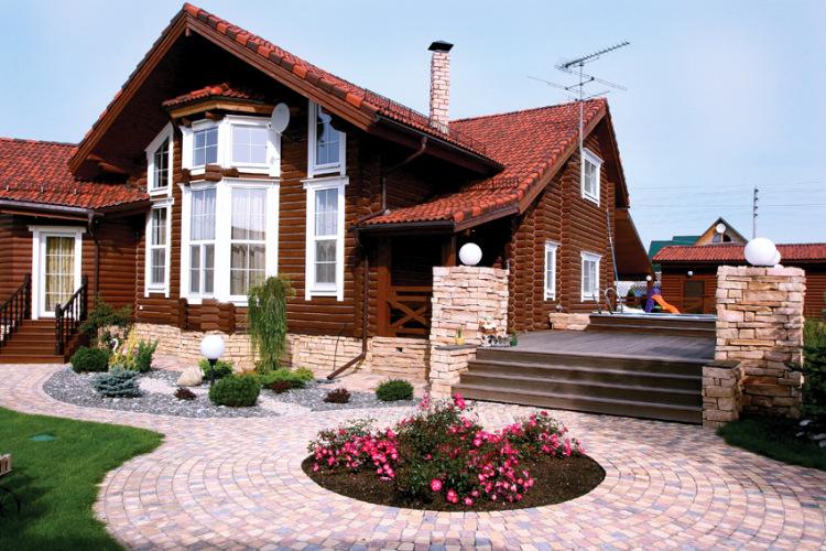 Ландшафтный дизайн для дома из бревна