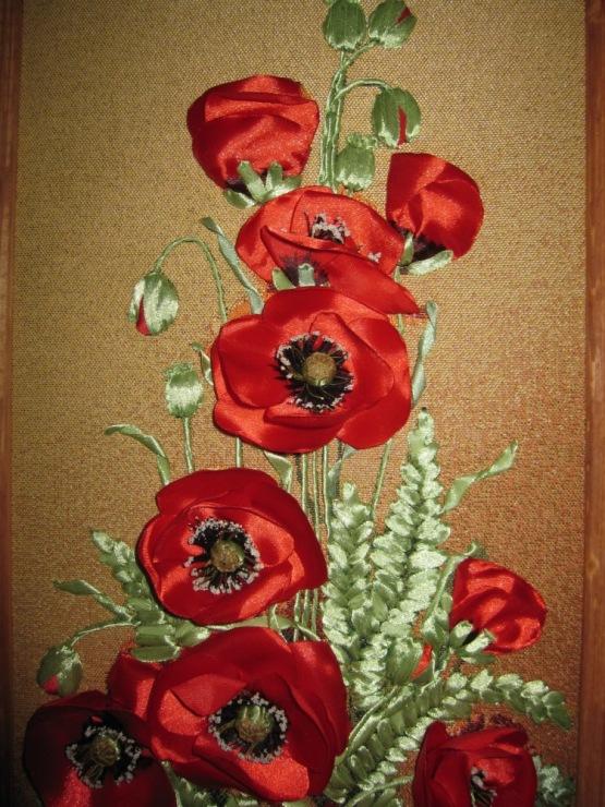 Маки цветы из лент 9