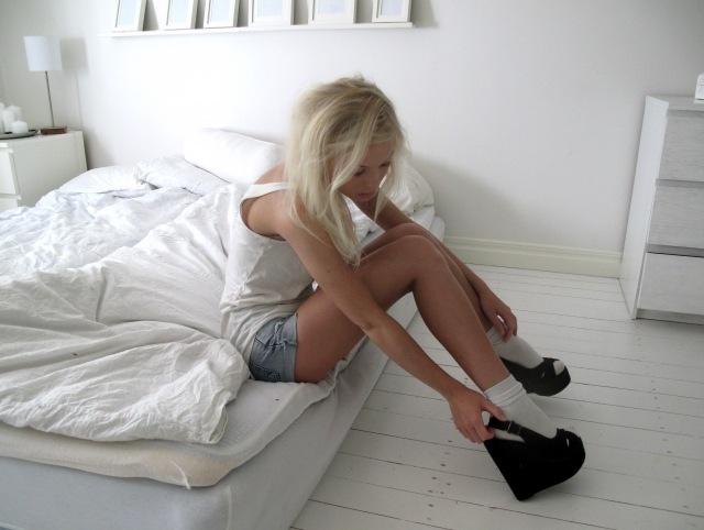 Фото Девушки Блондинки На Платформе