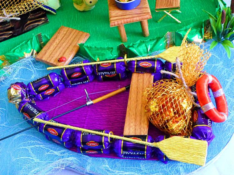 Лодка из конфет своими руками фото 12